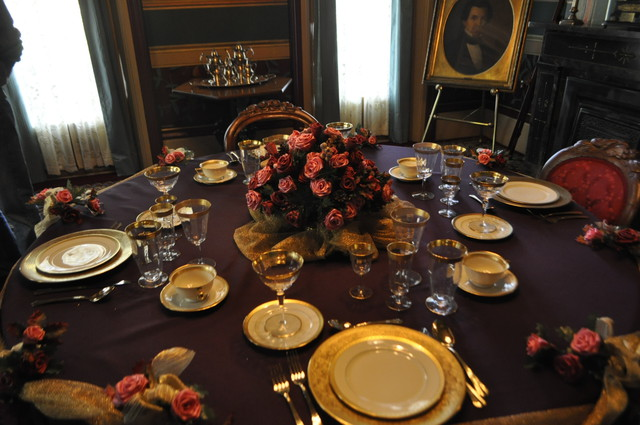 HH table setting
